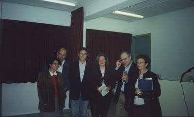 Con Justo Navarro, José Luis González Vera y otros amigos (2001)