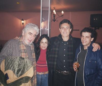 Con Manuel Urbano y unos amigos (marzo 2001)