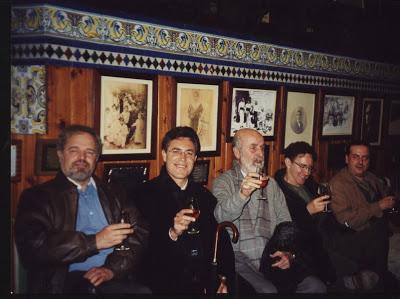Con Pedro J. de la Peña, José García Pérez, Ricardo Bellveser y Juan Manuel González (bodegas Barbadillo 2001)