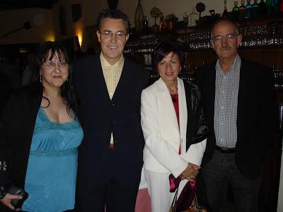Con Pilar Quirosa Juana Castro y Tomás Hernández