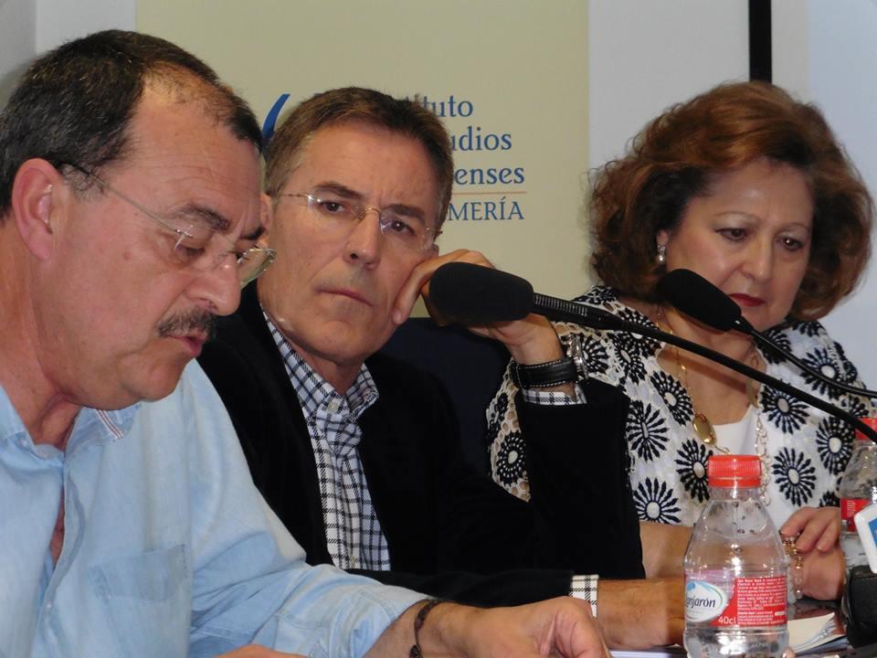 Mesa_redonda_y_entrega_22_Premio_Andalucia_de_la_Critica__28__81_5cc36a4fa694d